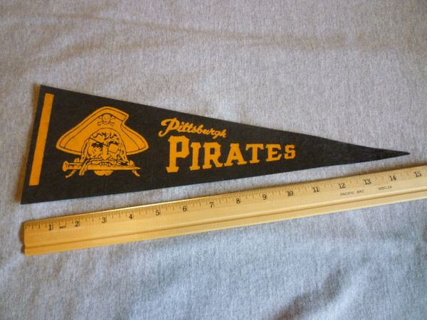 1950's Pittsburgh Pirates mini pennant