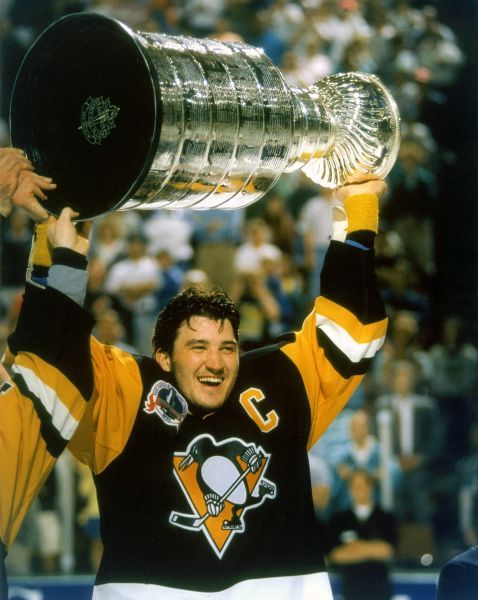 67. Mario Lemieux Stanley Cup 11x14 photo