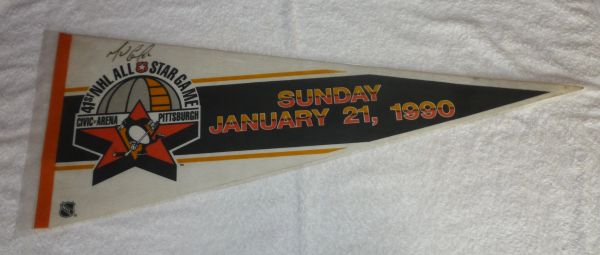 1990 NHL All-Star game full-size pennant signed by Mario Lemieux
