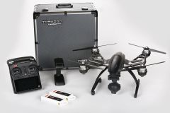 Yuneec Q500 4K Quadcopter APV with CGO3 Camera, 2 Batteries, 2 Sets of Propellers, Aluminum Case, Steadygrip a