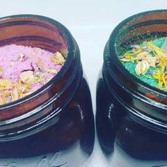 Aromatherapy and pink Himalayan salt reiki crystal & Dried flowers Bath Soak