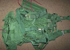 PARACHUTE HARNESS & PACK, FOREIGN MILITARY *NICE*
