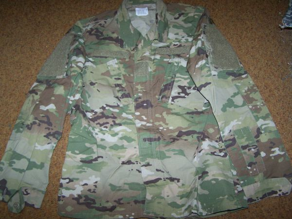 ACU SHIRT, OCP MULTICAM CAMO, SIZE MEDIUM-LONG, U.S. ISSUE