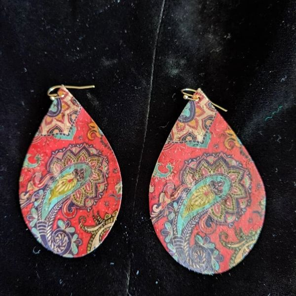 Vinyl earrings paisley print