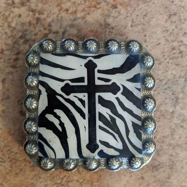 """Cross Zebra Concho style pop socket 2 1/4 x 2 1/4"""""""