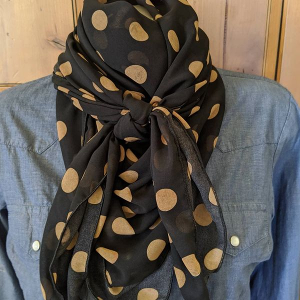 42x42 silk black with tan polka dots print