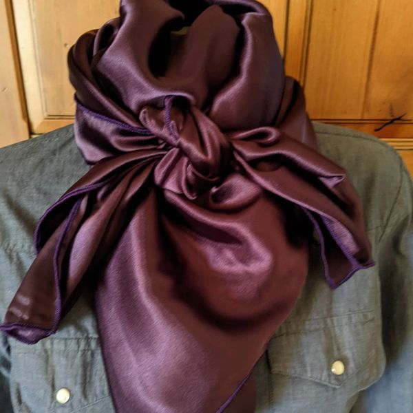 42x42 silk shiny deep purple wild rag