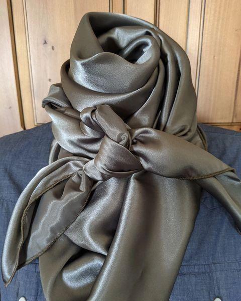 42x42 silk olive gray wild rag