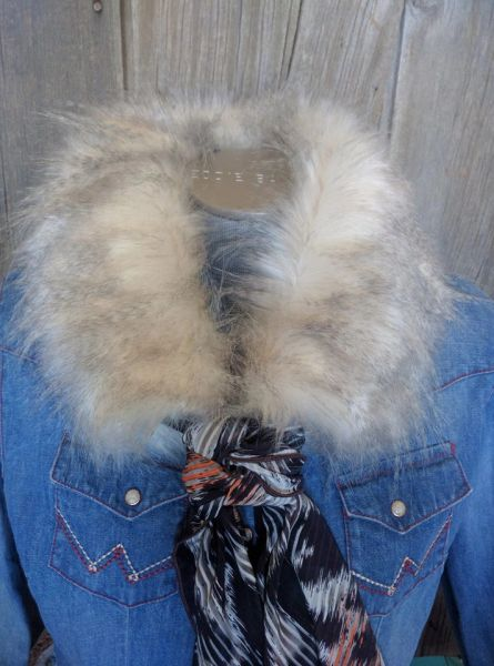 faux fur wild rag ruff - Cream and gray