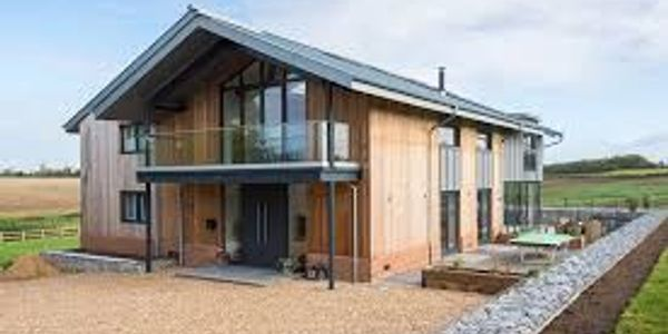 A picture of a newly built modern house using bridging loan and development finance