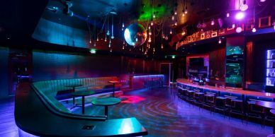 Haus Supper Club, Gay Hawaii Nightclub, Gay Hawaii Bar, Gay Waikiki Bar, Gay Waikiki Nightclub, Oahu