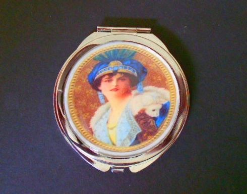 Regal Lady Compact