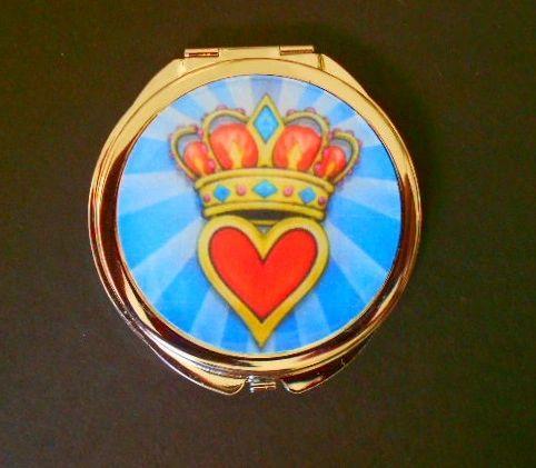 Heart of a Queen Compact