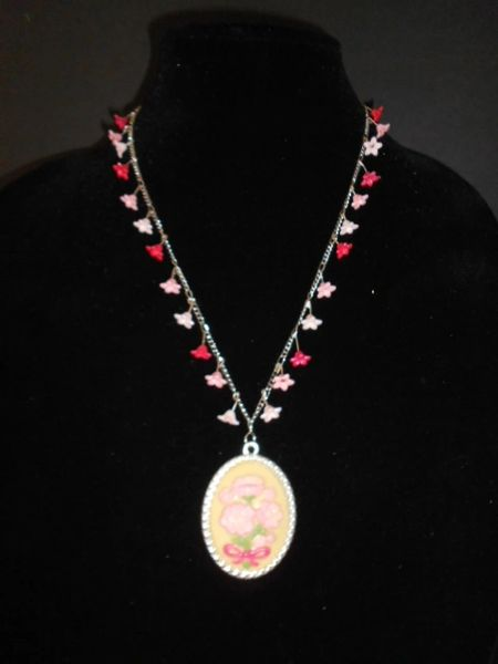 Pretty In Pinks Blossom Necklace