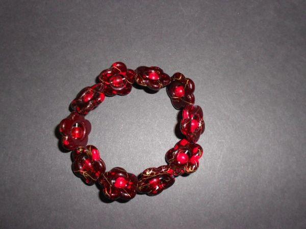 Red Blossoms Stretch Bracelet
