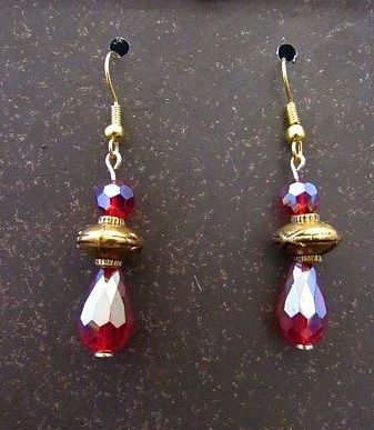 Red & Gold Victorian Style Small Drop Earrngs