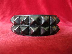 Wristband 7Black Two Rows of Black Pyramids