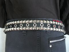 23BE Pyramid and Eyelet Belt