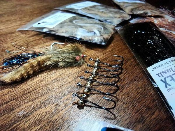 CUSTOM FLIES BY THE HALF DOZEN