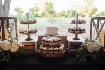 cake and catering available at alabama wedding venue