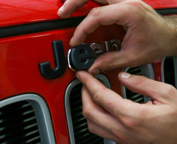 Quick Kap JK Jeep Emblem Cover 07-18 Jeep Wrangler JK