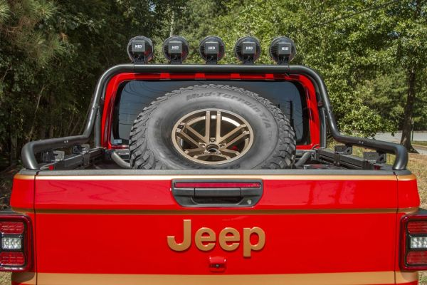 Rugged Ridge 11546.71 Bed Mounted Spare Tire Carrier for 20-21 Jeep Gladiator JT 11546.71