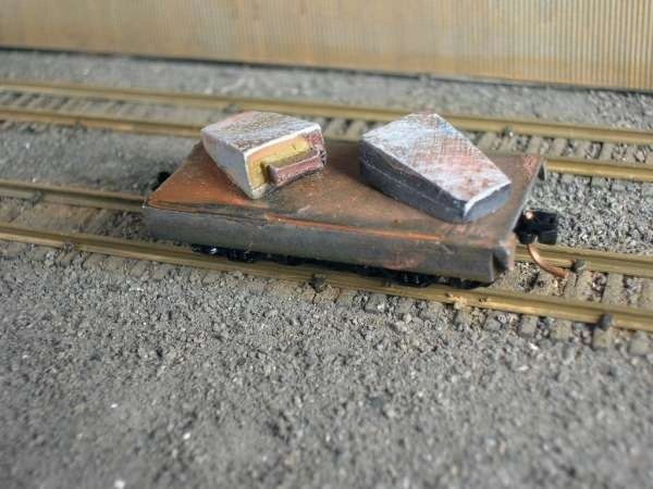 N Scale 20' Mill Car w/ 2 Big End Up Ingots