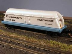 Borden's Butterdish Milk Car, Ready to Run