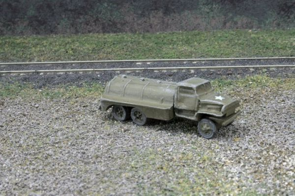 US Army 2 1/2 Ton 6x6 Fuel Truck, GMC CCKW