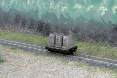 N Scale 20' Mill Car w/ 3 Ingot Molds