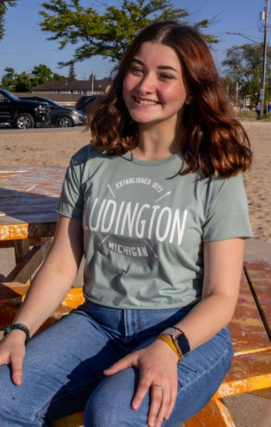 Women's Cali Crop Tee Ludington (Stonewash Green)