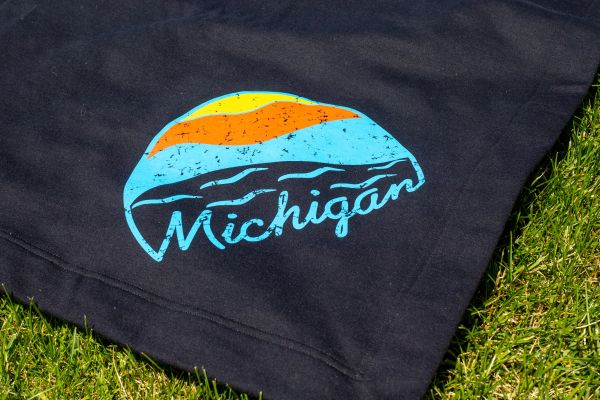 Fleece Stadium Blanket Michigan Sunset (Black)