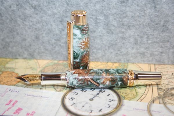 Fountain Pen - Cambridge Hybrid Fountain Pen - Sweet Gum Pods in Green & White Alumilite - Pen - Sterling Silver with Titanium Gold Accents