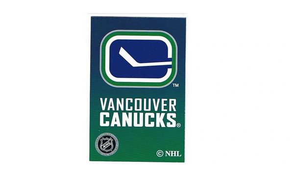 VANCOUVER CANUCKS NHL HOCKEY LOGO PLAYING CARDS .. NEW