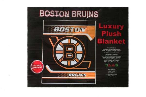 "BOSTON BRUINS NHL HOCKEY LOGO LUXURY PLUSH BLANKET .. SIZE : 79"" X 94"" INCHES .. LICENSED .. NEW"