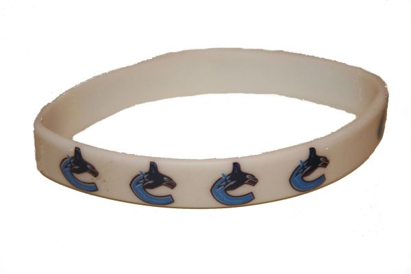 VANCOUVER CANUCKS NHL HOCKEY LOGO SILICONE BRACELET .. NEW