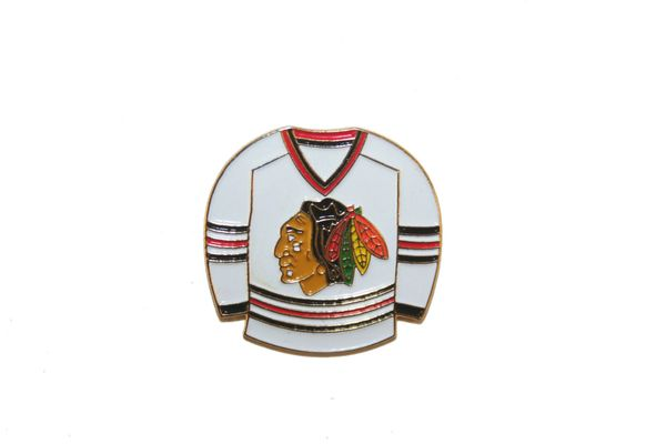 CHICAGO BLACKHAWKS WHITE JERSEY NHL LOGO METAL LAPEL PIN BADGE .. NEW AND IN A PACKAGE