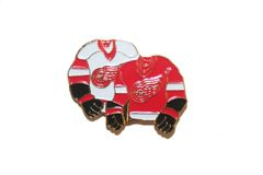 DETROIT RED WINGS WHITE & RED JERSEYS NHL LOGO METAL LAPEL PIN BADGE .. NEW AND IN A PACKAGE