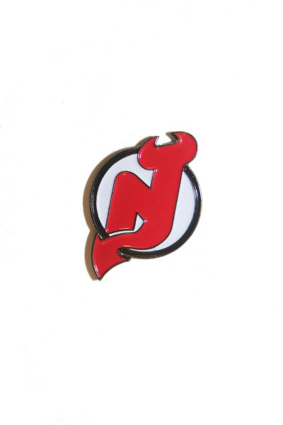 NEW JERSEY DEVILS NHL LOGO METAL LAPEL PIN BADGE .. NEW AND IN A PACKAGE