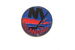 NEW YORK ISLANDERS NHL LOGO METAL LAPEL PIN BADGE .. NEW AND IN A PACKAGE