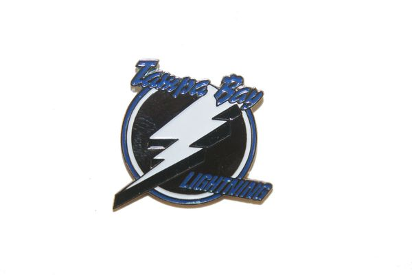 TAMPA BAY LIGHTNING NHL LOGO METAL LAPEL PIN BADGE .. NEW AND IN A PACKAGE