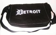 Detroit Messenger Bag - Black