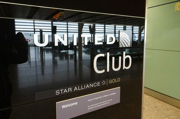 Details about United Club One-Time Pass Expires 3/31/2021 Food Drinks WiFi Star Alliance
