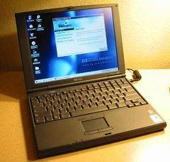 "HP OmniBook 900 Ultraportable Laptop Notebook 12.1"" P2-300 5GB Windows 98"