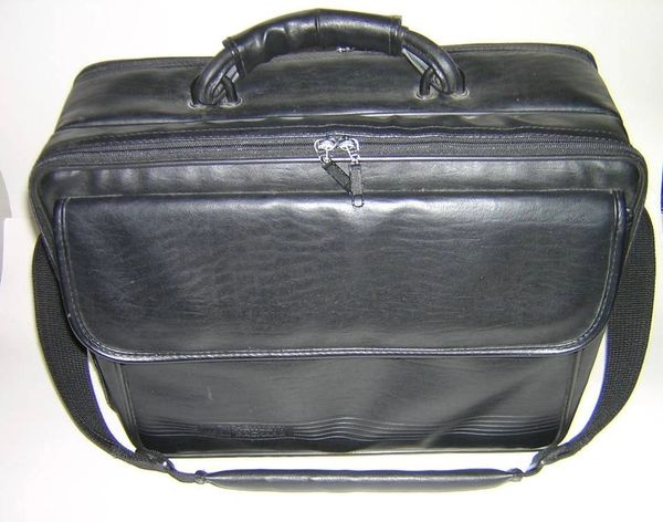 "HP OmniBook 15"" Universal Carry Case"