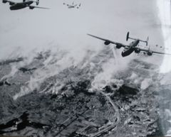 Consolidated B-24D Liberators in Formation Photo PHO-0104
