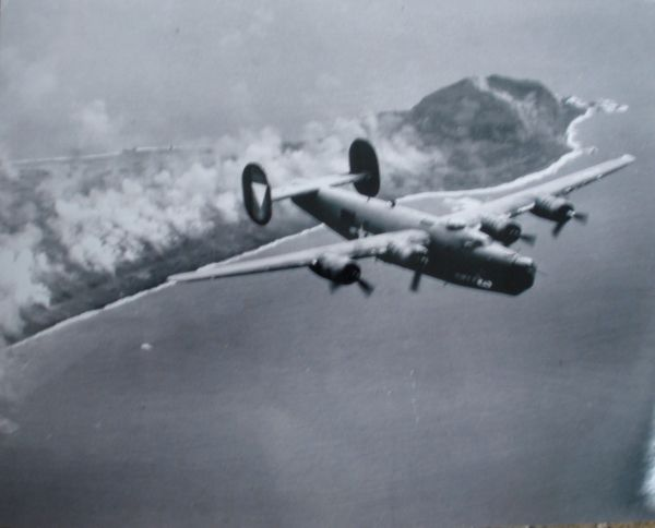 Consolidated B-24 Liberator In Flight Photo PHO-0109