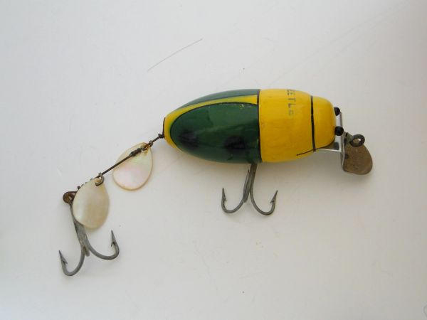 Creek Chub Beetle 3850 EX with Military Stencil NICE!