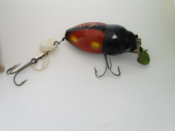 Creek Chub Beetle 3855 Black Fishing Lure