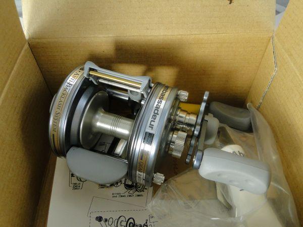 ABU Ambassadeur 5600 AB Gun Metal Grey Anti Backlash Baitcasting Reel NEW IN BOX